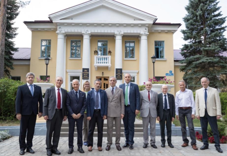 RUSSIA: NUOVO AMBASCIATORE ITALIANO VISITA JINR